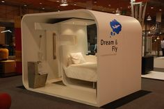 Dream and Fly is a new modular micro hotel concept that can be located practically anywhere. It is still in development and created with the primary focus on airports/seaports and train station. Sleep Box, Sleeping Pods, Hotel Floor Plan, Spaceship Interior, Capsule Hotel, Hotel Concept, Dome House, Micro House, Minimalist House Design