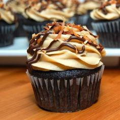 Samoas Cupcakes Recipe - Anna Things and Thoughts