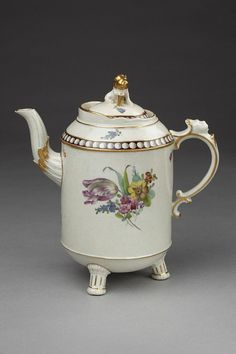 Coffee pot | Ludwigsburg porcelain factory |Germany 18th century made