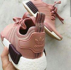 adidas Originals NMD in pink/rosa // Foto: jollindha - Mika - Damenschuhe Sneaker Outfits, Sneakers Fashion Outfits, Fashion Shoes, Adidas Fashion, Style Fashion, Trendy Shoes, Cute Shoes, Me Too Shoes, Sneakers Mode