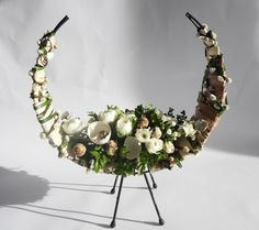 Bloemschikken Paper Beads, Ikebana, Diy Flowers, Floral Arrangements, Floral Design, Centerpieces, Floral Wreath, Projects To Try, Diy Crafts
