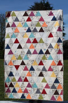Triangle patchwork by Alison at Little Island Quilting. I love the one reversed triangle and the text whites. Quilt Festival, Scrappy Quilts, Baby Quilts, Patch Quilt, Quilt Blocks, Quilting Projects, Quilting Designs, Quilting Ideas, Sewing Projects