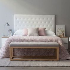 Mind cabecero                                                                                                                                                                                 Más Home Bedroom, Bench In Bedroom, Bedroom Ideas, Bedroom Inspo, Bedroom Decor, Pink Gray Bedroom, Pink Bedrooms, Luxury Bedrooms, Urban Industrial