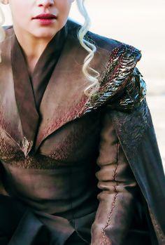 Daenerys Targaryen costume details | GoT Season 7