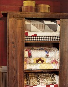 old country quilts <3
