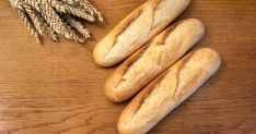 Chrumkavé bagetky, ktoré vytiahnete zrúry si sa mi vypýtajú kúsok masla. Budete ich milovať. Bread, Baking, Food, Basket, Bakery Business, Brot, Bakken, Essen, Meals
