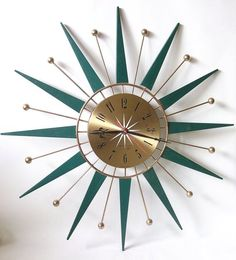 Retro Sunburst Starburst Teak Wood Westclox Wall Clock - Mine was exactly like this except in stead of green rays, mine were wood. I loved this clock. Décoration Mid Century, Mid Century House, Mid Century Style, Mid Century Design, Mid Century Wall Art, Mid Century Modern Decor, Mid Century Modern Furniture, Mid-century Modern, Retro Clock