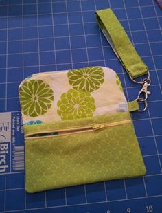 Little phone wallet case.  #sewing #patterns