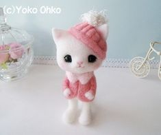 Needle Felted white kitten with Pink hat