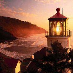 Mindenkinek Lighthouse Really?  Oregon coast - Heceta Head