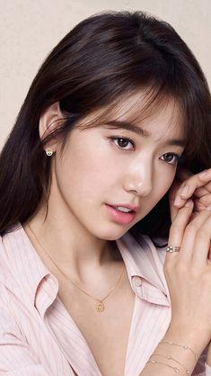 Korean Asian Girl Film Kpop #iPhone #SE #wallpaper Park Shin Hye, Korean Beauty Girls, Asian Beauty, Girl Film, Korean Actresses, Korean Celebrities, Beautiful Asian Women, Female Portrait, Kate Middleton