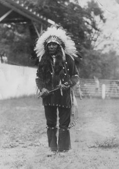 Ottawa man at Harbor Springs, Michigan - circa 1910 Native American Tribes, Indian Tribes, Native American History, Native Indian, Native Americans, The Mitten State, Black Indians, State Of Michigan, First Nations