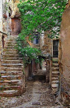 Bussana Vecchia, Italy by h_roach, via Flickr ~ Liguria