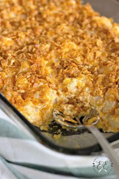 Funeral Potatoes Recipe - Easy Potato Casserole Side Dish Potato Sides, Potato Side Dishes, Vegetable Side Dishes, Easy Potato Casserole, Casserole Recipes, Cornflake Potato Casserole, Cornflake Potatoes, Easy Cheesy Potatoes, Easter Side Dishes