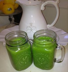 "favorite, most filling green smoothie recipe. make it daily!    I hope that I am not alone in the ""pin now, read later"" mode."