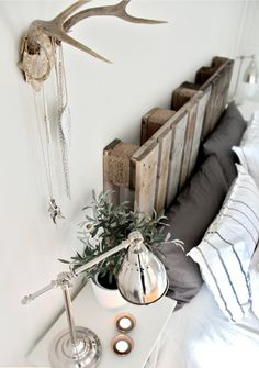 Interesting use for a pallet :) I like the antlers