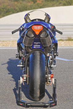 Racing Cafè: Yamaha YZF-R1 Team GMT94 2011