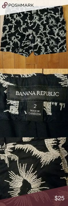 """Banana Republic Shorts Banana Republic Embroidered Shorts in black and tan.  Size 2. Fully lined with 100% polyester.   Shell is 100% cotton.  Beautiful design!  5"""" inseam. Banana Republic Shorts"""