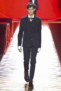 【ルック】「ディオール オム」2016-17年秋冬パリ・メンズ・コレクション | 2016-17 FW PARIS MEN'S COLLECTION | DIOR HOMME | COLLECTION | WWD JAPAN.COM