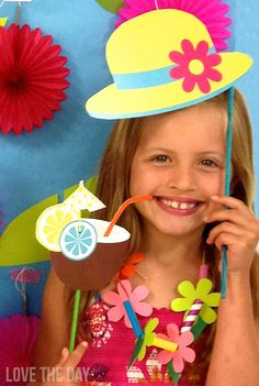 FREE Summer DIY Photobooth Props by Love The Day