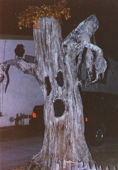 DIY spooking tree