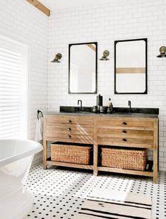 Beautiful Urban Farmhouse Master Bathroom Remodel (27)