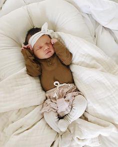 bébé camel baby newborn nouveau né