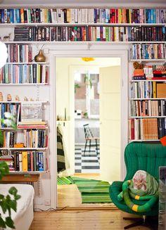 Sagan om den platsbyggda bokhyllan har nu fått sitt lyckliga slut. | Celina Fällbom | Fotograf