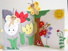 A három pillangó- ujjbáb készlet és mini bábszínház, Baba-mama-gyerek, Játék, Báb, Készségfejlesztő játék, Meska Felt Crafts, Diy And Crafts, Crafts For Kids, Wooly Bully, Butterfly Books, Sensory Book, Quiet Book Patterns, Felt Quiet Books, Toddler Books
