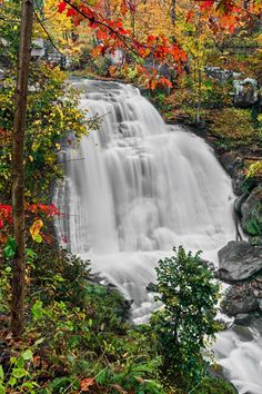 Brandywine Falls, a waterfall in Ohio's Cuyahoga Valley National Park
