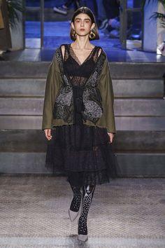 Antonio Marras Fall 2019 Ready-to-Wear Fashion Show - Vogue Louise Bourgeois, Christian Lacroix, Vogue Paris, Fashion Art, Womens Fashion, Fashion Design, Fashion Edgy, Milan Fashion, Fashion Trends
