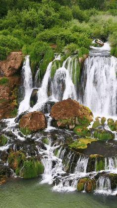 Beautiful Photos Of Nature, Beautiful Nature Wallpaper, Beautiful Places To Travel, Nature Pictures, Amazing Nature, Beautiful Landscapes, Beautiful Pictures, Beautiful Waterfalls, Wow Art
