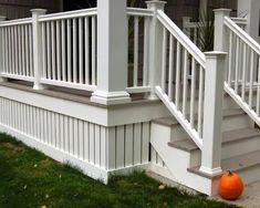 Cool Deck, Diy Deck, Lattice Deck, Lattice Design, Deck Stair Railing, Stair Handrail, Railing Ideas, Patio Design, House Design