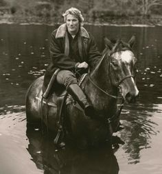 Richard GERE by Herb Ritts cheval presse print millions d'amis magazine Richard Gere, King Richard, Herb Ritts, Star Wars, Foto Art, Appaloosa, Horse Pictures, Horseback Riding, Beautiful Horses