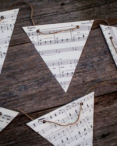 Vintage music decoration DIY paper bunting by VintageAndNostalgia. Vintage Sheet Music, Vintage Sheets, Sheet Music Decor, Music Sheets, Paper Bunting, Diy Bunting, Bunting Banner, Banners, Piano Recital
