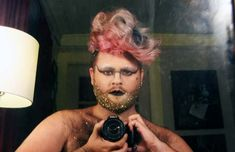 im sorry, is there anything better than a glitter beard? no.