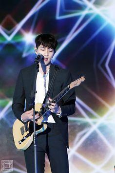 Cnblue Jonghyun, Minhyuk, Cn Blue, Lee Jong Hyun, Jung Yong Hwa, Fnc Entertainment, Korea, Guitar, Baby