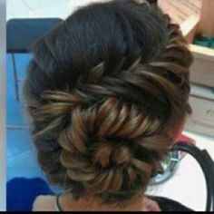 Check out this amazing Twist on #ombre long hair How To Find The Perfect Formal #Hairstyle  http://whosin.com/hairstyle