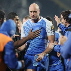 Retiring Western Force lock Nathan Sharpe is treated to a guard of honour Super Rugby, Six Nations, Rugby World Cup, Espn, Scores, Gentleman, Champion, Bands, Couple Photos