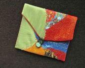 Une petite pochette à rabat couleur d'automne... : Porte-monnaie, portefeuilles par avecmesp-titsbouts