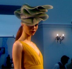 Royal Ascot Fashion Show - Stephen Jones. For more tips on Fashion at the Races, read http://eclipsemagazine.co.uk/fashion #hat #headpiece #racing #fashion #royalascot