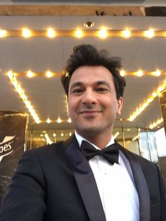 I will never stop losing my breath Everytime I see you smiling! #chefvikaskhanna