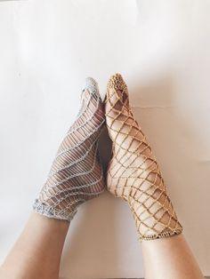 Knit and Crochet Fishnet Socks -- free pattern by KNITSAFARI