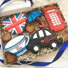 #лондон #пряникилондон #англия #пряникиназаказ #пряникиназаказмосква #неслучайноепеченье #неслучайноепеченье_путешествия #имбирныепряники #имбирныепряникимосква #имбирныепряникиназаказ #имбирноепеченьеназаказмосква Biscuit Cookies, Fun Cookies, How To Make Cookies, Cake Cookies, Decorated Cookies, Cupcakes, Iced Sugar Cookies, Sugar Cookies Recipe, Cookie Frosting