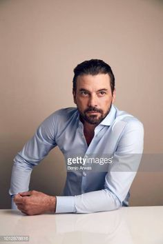 Actor Skeet Ulrich of CW's 'Riverdale' poses for a portrait during the 2018 Summer Television Critics Association Press Tour at The Beverly Hilton Hotel on August 2018 in Beverly Hills, California. Get premium, high resolution news photos at Getty Images Skeet Ulrich Riverdale, Riverdale Poster, Why Lie, Mary Louise Parker, Tv Series 2017, Riverdale Cast, Press Tour, Trout, Documentaries