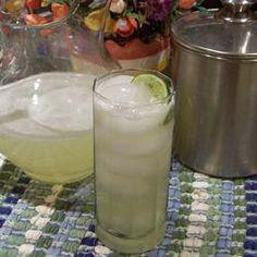 Limonade à la lime et au miel @ qc.allrecipes.ca