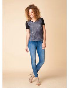 http://www.modekleding.be/Yest-Shirt-A27-26693-Black/White