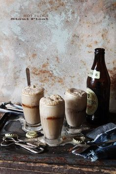 Hot Fudge Stout Beer Floats. Heat 1/2 c fudge sauce and 1/4 c stout until warm. Spoon over 2 scoops of ice cream. Pour stout over all | Feel free to use better beer!