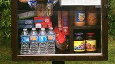 In opmars: voorraadkastjes met gratis spullen op straat