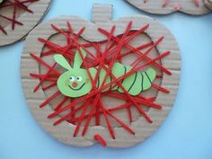 Apple with a worm string art made with cardboard. Apple Activities, Craft Activities For Kids, Preschool Crafts, Projects For Kids, Diy For Kids, Crafts For Kids, Yarn Crafts, Diy And Crafts, Arts And Crafts
